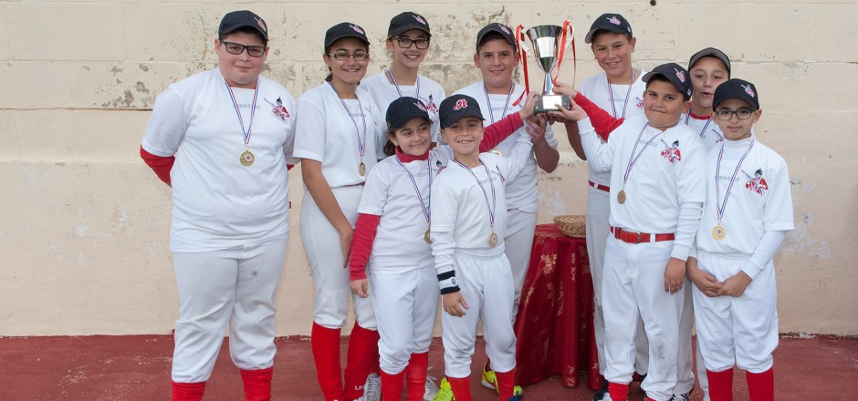 REDCOATS PREPARE FOR THE MABS SOFTBALL LEAGUE