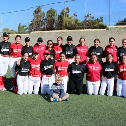 REDCOATS SOFTBALL GO TOP