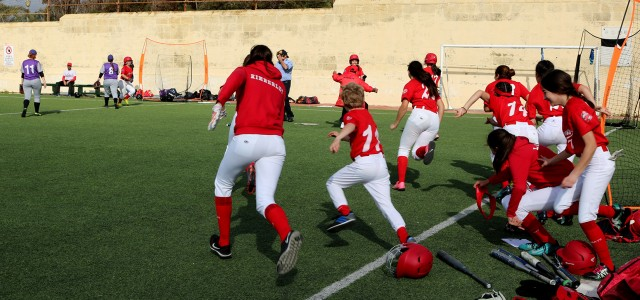 DRAMATIC WALK-OFF WIN FOR THE REDCOATS